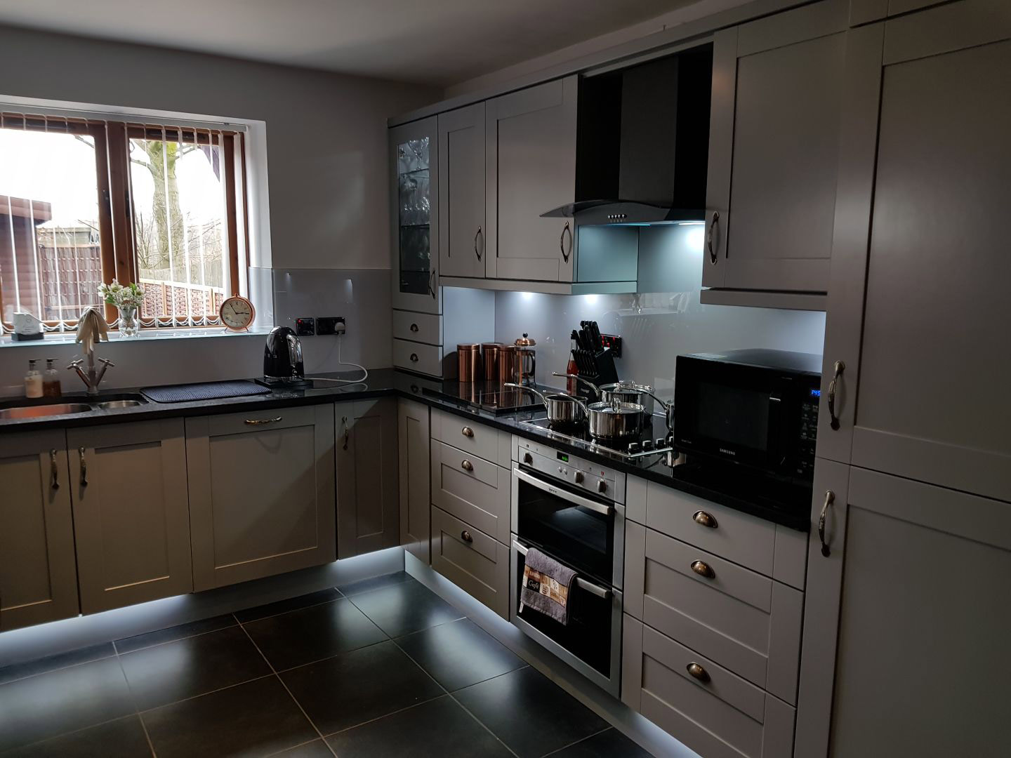 Kitchen Respray And Furniture Resoration In Birmingham West Midlands